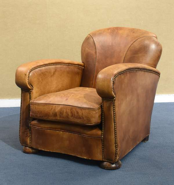 Small French Deco leather club chair (461-166)