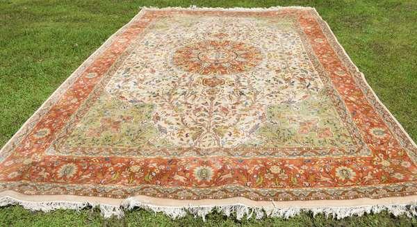 "Oriental rug, 10"" x 14"" (260-3)"