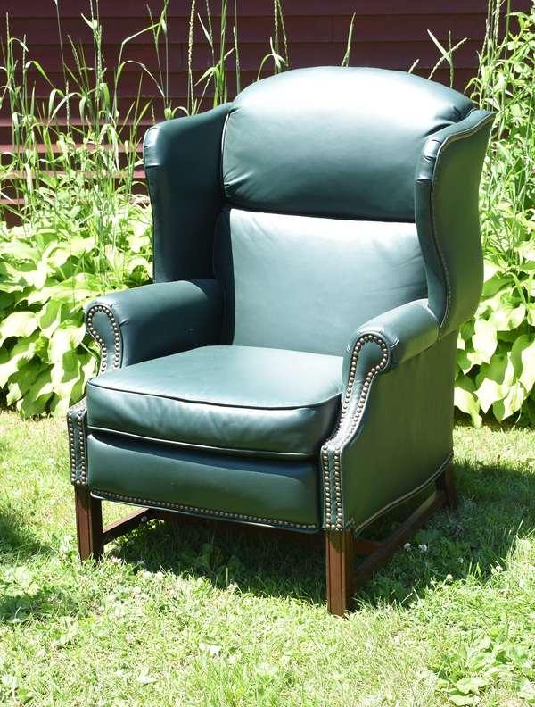 Green leather recliner chair, Barcalounger (696-31)