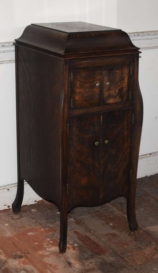 """Victrola X model (10) dark oak Victorian phonograph with extra records, 43""""H. x  17""""W. x 21""""D. (293-11)"""