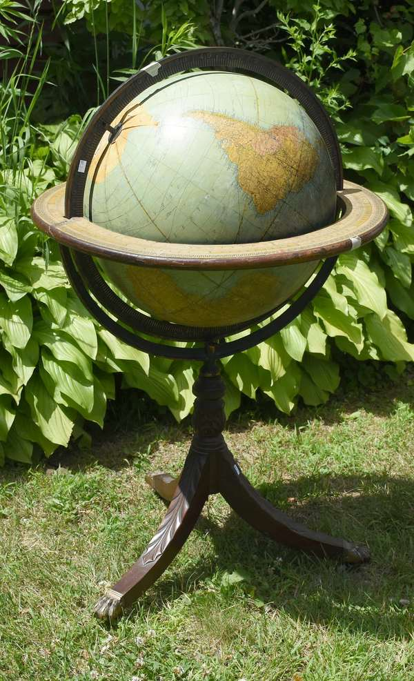 World globe on stand (as-is) (881-2)