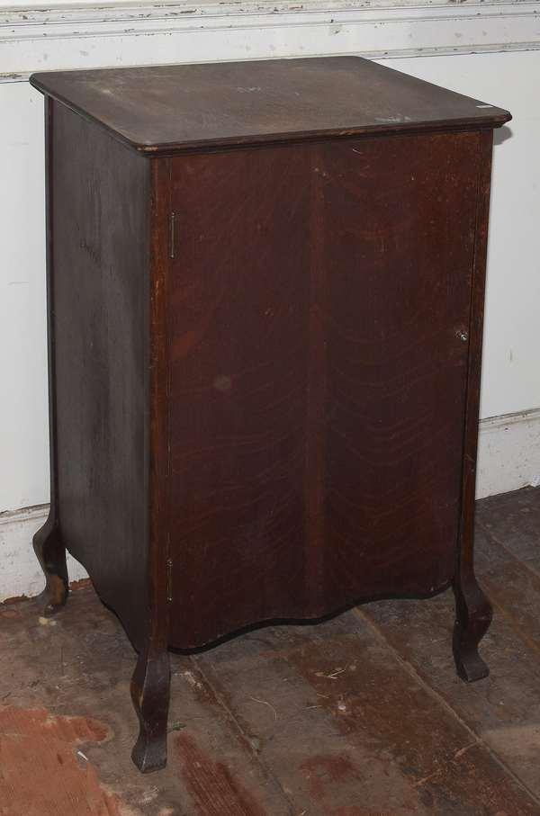 """Victorian sheet music oak cabinet, 34""""H. x 20"""" x 17"""" (293-13)"""
