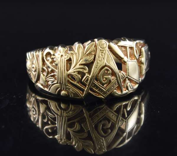 Jewelry: 14k gold Masonic ring with secret codes, 8.5 grams, size 12