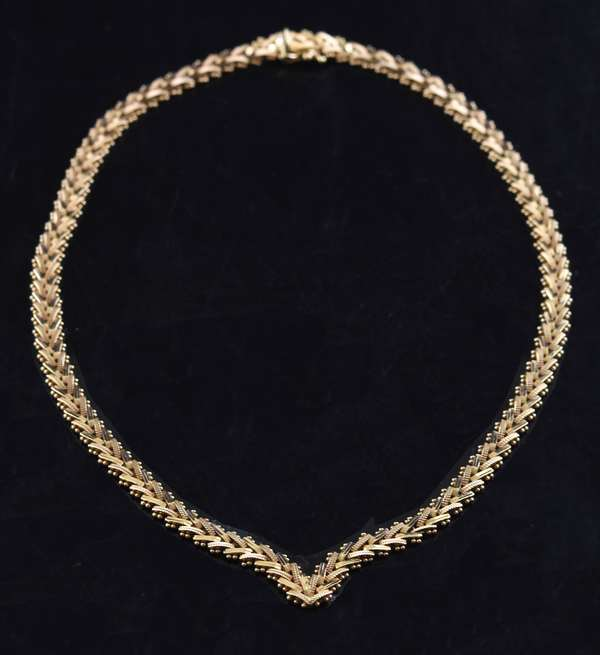 "Jewelry: 14k gold chain ""V"" 34 grams"