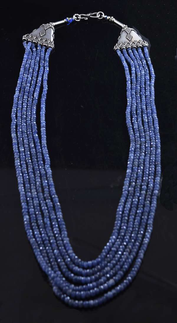 Graduated sapphire bead necklace (matinee)