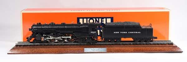 Lionel 18005 NYC 4-6-4 Hudson steam locomotive, '700E', display case, OB