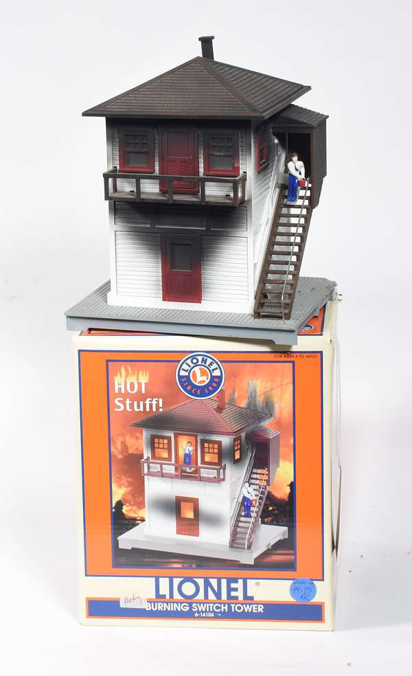 Lionel 14104 Burning Switch Tower, OB