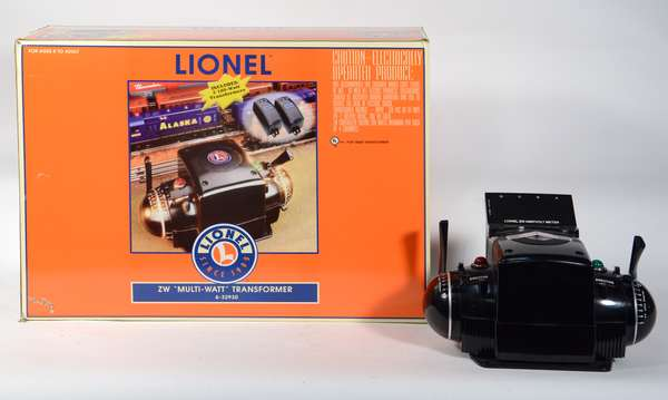 Lionel 32930 Power Supply Set w/ZW Controller and 2 Power Supplies, OB