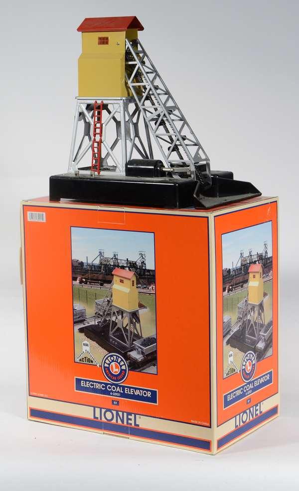 Lionel 32921 Coal Elevator, OB