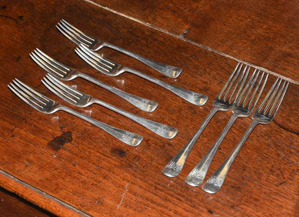 Ref I: Set of eight English silver forks, approx. 13.5 T.oz