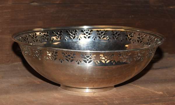 "Ref X: Tiffany & Co. sterling silver bowl, 3""H. x 8.5""Dia., approx. 14.5 T.oz"