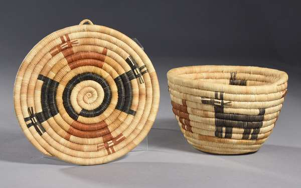 """Small Hopi tricolor basketry bowl with tray, animal decoration, 1940s/50s, 7"""" dia. x 4""""H, plate 8"""" dia."""