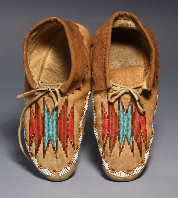 "Plains elk hide moccasins, soft soled with partial beading, 1940s, 10""L"