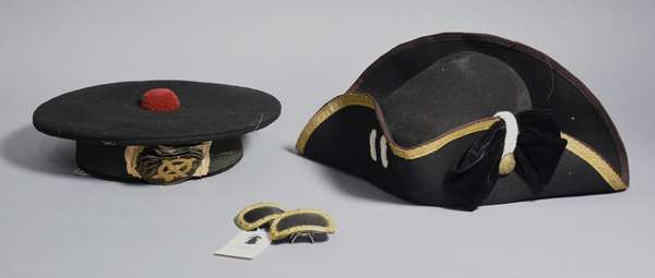Two British hats with two shoe buckles