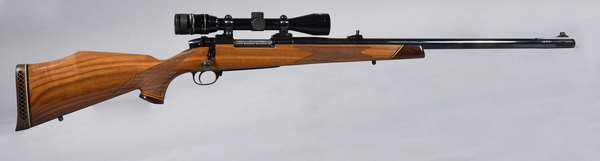 Weatherby Mark V, 460 mag, with scope #H132595, (T-33)