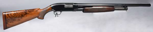 Winchester model 12 pump action #1351982 12 guage (T-42)