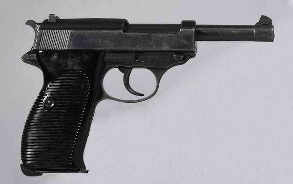 P38 9mm cal #9356Y with holster (T-26)