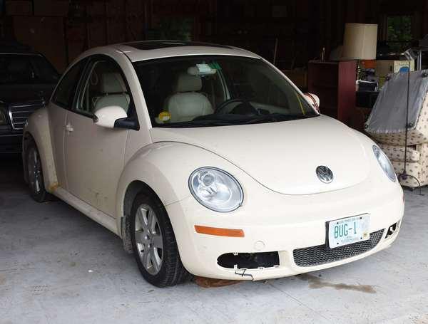 Ref 2: 2007 Volkswagon Beetle coupe (439-30)