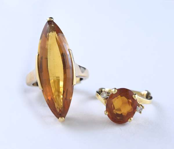 Two gold topaz rings (320-27)
