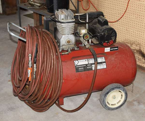 Sears air compresser (439-36)