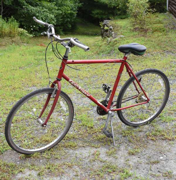 Ref 19: Gary Fisher red bicycle (44-578)