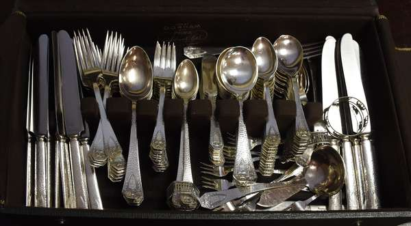 Silver plated flatware set (Uncle Gundy) Arts & Crafts style (464-10)