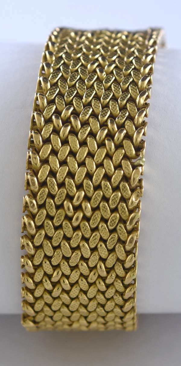 18k yellow gold bracelet, 33 grams (105-163)