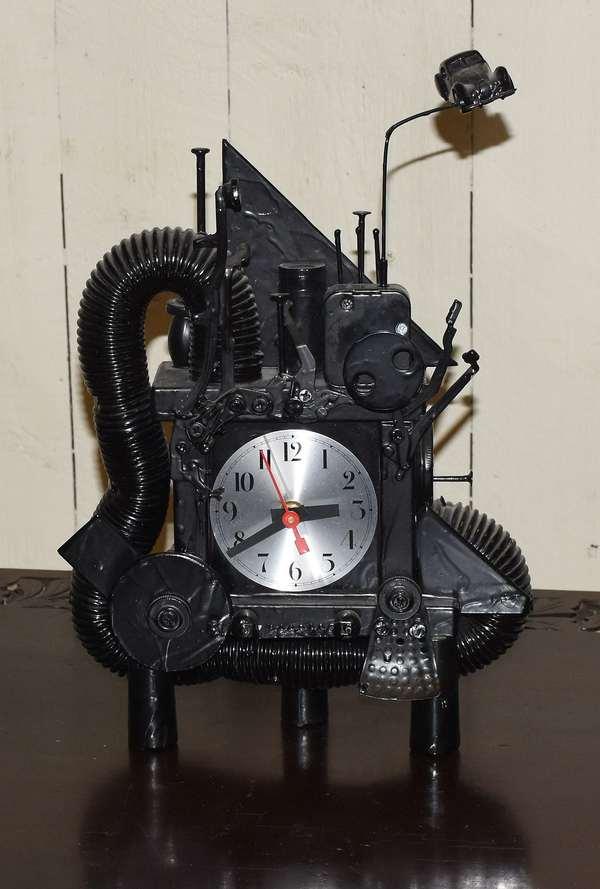 Rick Birkett Fantasy clock (464-19)