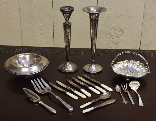 Lot of sterling and silver plate (464-22)
