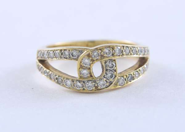 Very pretty lady's 14k yellow gold and diamond pinky ring, .35 ctw, size 3.75, 3.26 grams