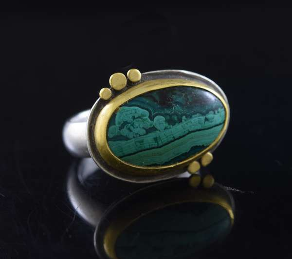 Ananda Khalsa sterling silver with 22 kt yg, malachite ring, 20 x 15 mm, size 6, 7.2 grams