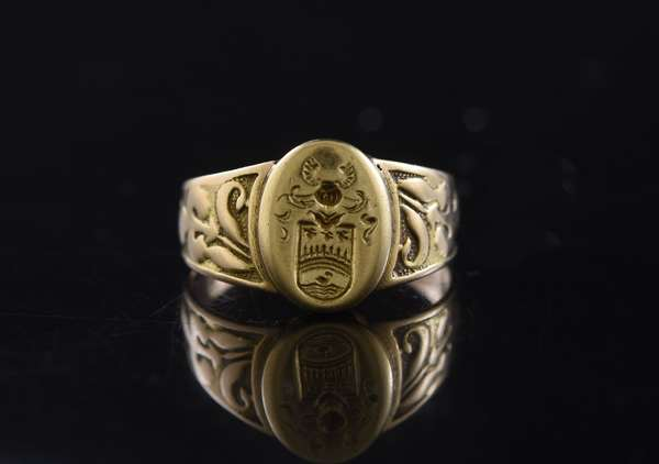 One 14kt yellow gold (tested) ring,  crest, sz 7 1/4, 4.1 grams.