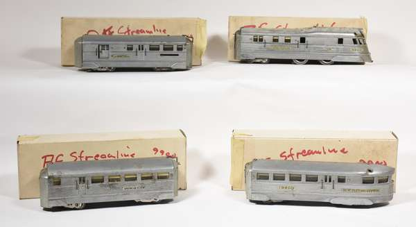 American Flyer 9900 Stream Line Zephyr Set, Loco and 3 cars.