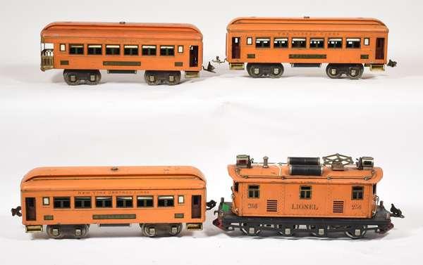 Lionel Set, 256 Electric Loco, NYC 710 (2), 712 cars, orange