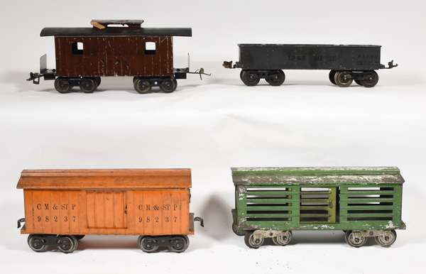 Lionel early freight cars, 112, 113, 114, 117.