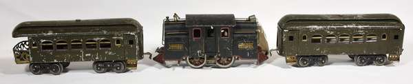 Lionel Standard 33 Electric Loco, 2 passenger cars, early.