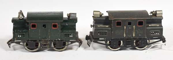 Lionel 152 Electric Locos, one gray, one dark green