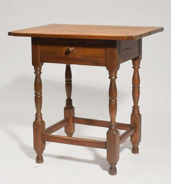 Small size stretcher base tavern table with one drawer