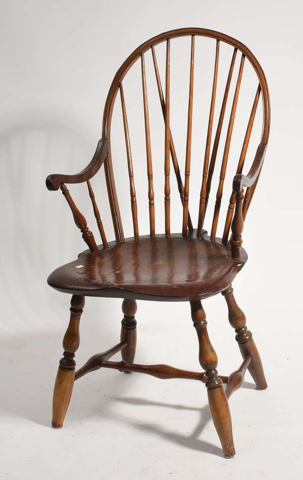 """18th C. RI continuous arm brace back Windsor chair, 16"""" seat height"""