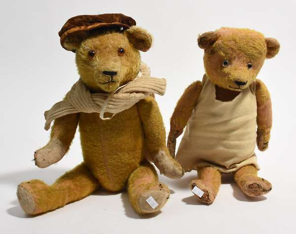 """Two antique teddy bears, he and she, 18"""" and 20"""" (96-35)"""