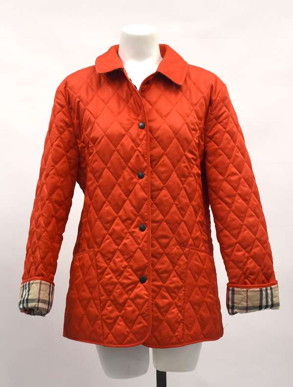 Ladies red Burberry quilted short jacket with garment bag (297-38)