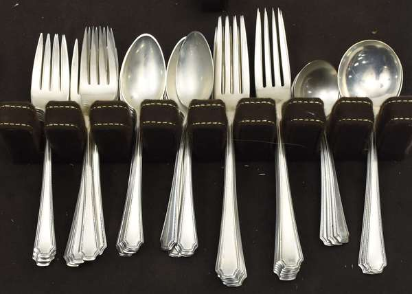 Partial sterling silver flatware set,approx. 43 T.oz weighable silver (678-6)