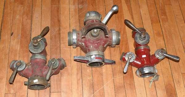 Three fire collectible nozzle gates-one rocker (23-2)