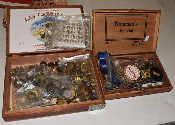 Collection of fireman badges and buttons (23-160)