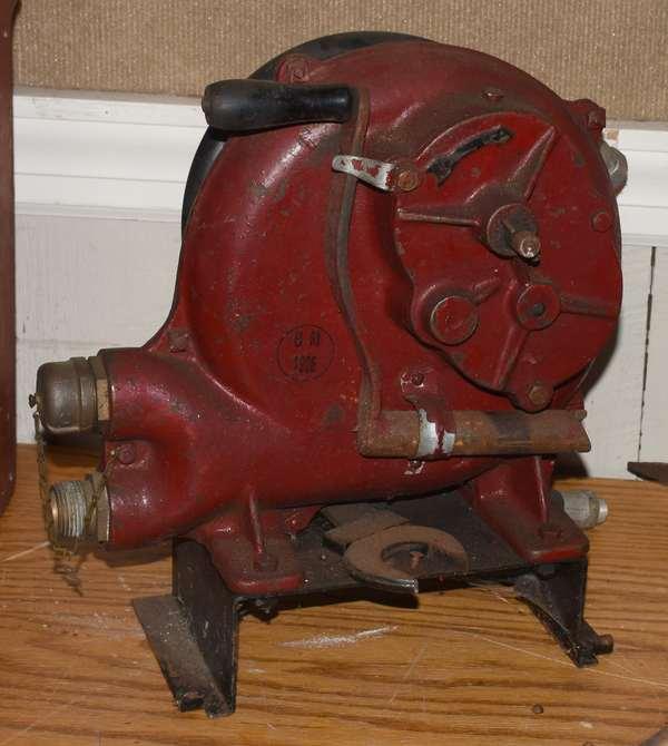 Iron fire hand crank (23-12)