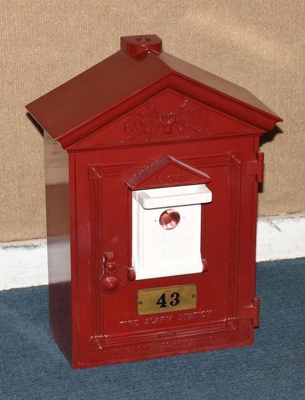 Fireman call box (44)
