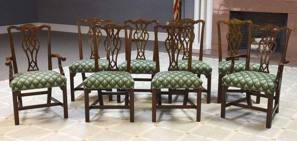 Clean set of eight Chippendale style dining chairs