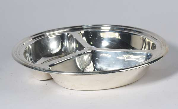 "International sterling silver serving bowl, 10"" dia., approx. 19 t.oz (5-411)"