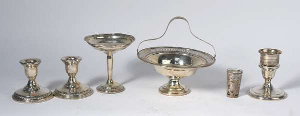 Lot of weighted sterling tablewares, including compotes, candlesticks, etc., 6 pieces (5-410)