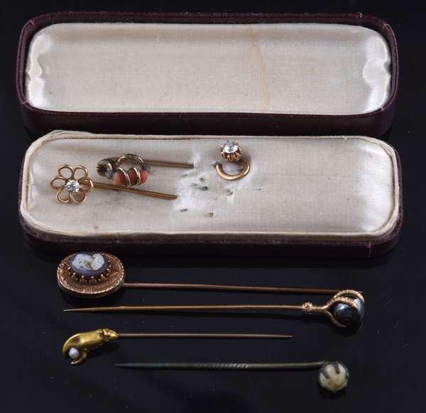 Victorian gold stick pins (81-18)
